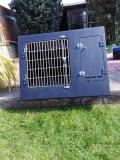 DOG & BIRD BOX FOR A VEHICLE